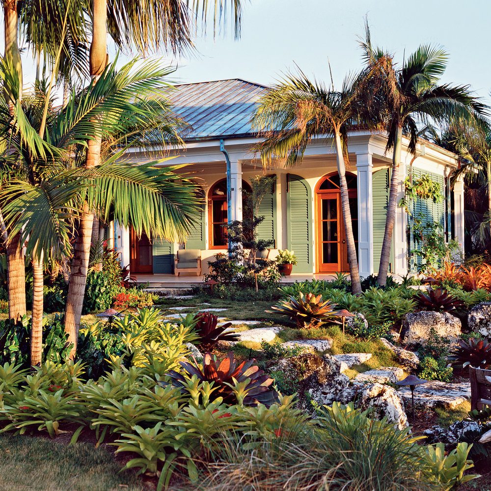 green-orange-florida-house-garden-nb0210_01opener_v2